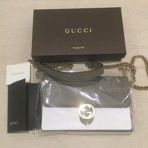 New Gucci GG Closure Chain Wallet Crossbody Purse